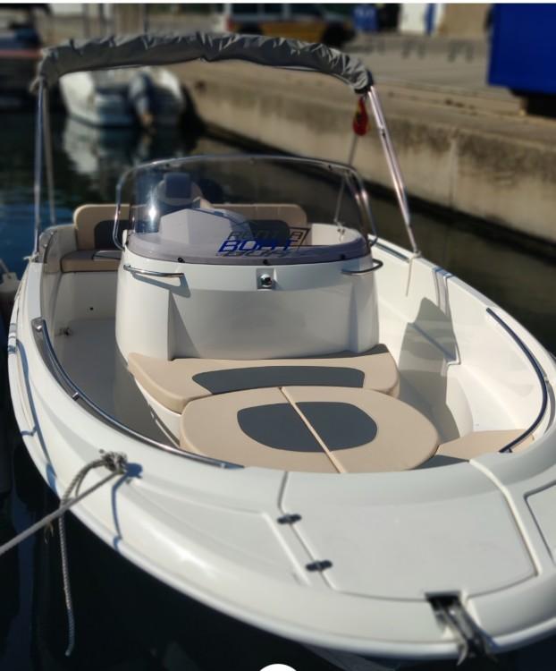 Barca a motore a noleggio Palamós al miglior prezzo