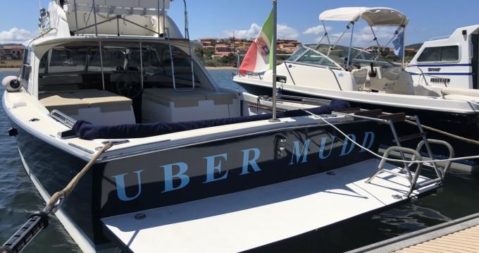 Noleggio Barca a motore con o senza skipper Bertram a Porto Pozzo