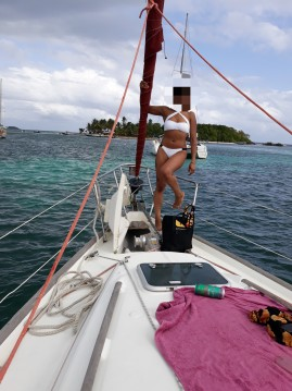 Noleggiare una Bénéteau Oceanis 411 Clipper a Marie-Galante Island