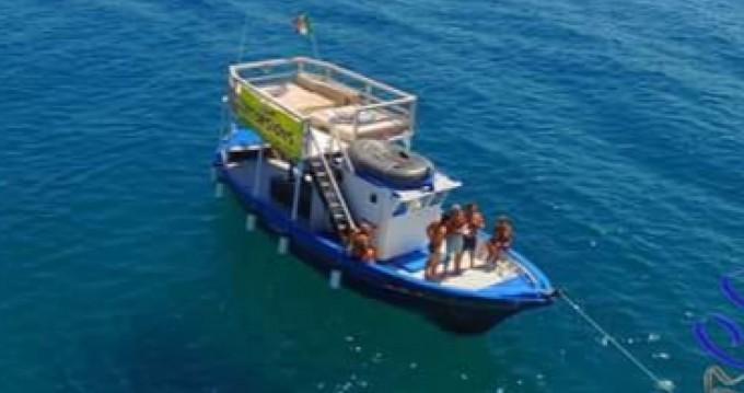 Barca a motore a noleggio a Siracusa al miglior prezzo