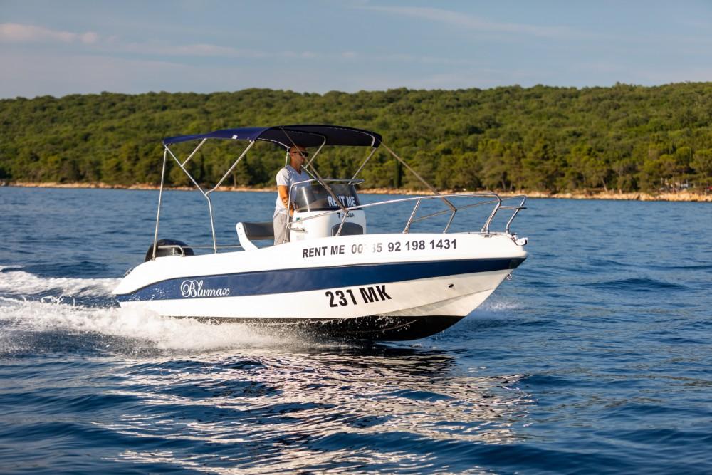Noleggio barche Blumax 550 Open Malinsca su Samboat