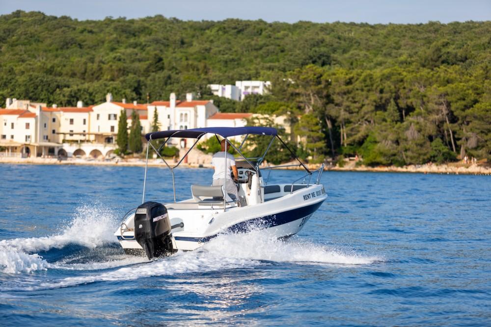 Noleggio Barca a motore con o senza skipper Blumax Malinsca