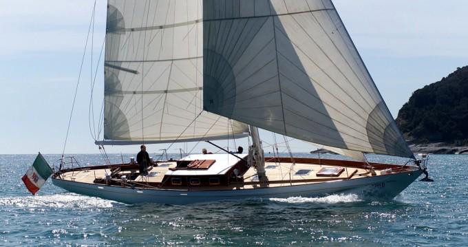 Barca a vela a noleggio a Lorient al miglior prezzo