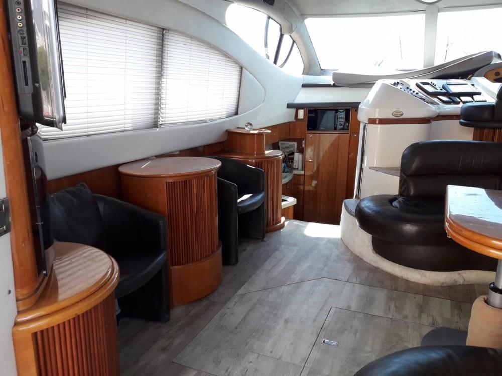 Noleggio Barca a motore con o senza skipper Azimut Le Grau-du-Roi