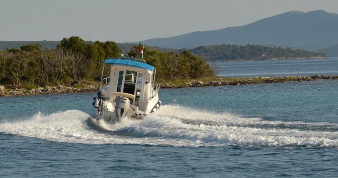 Noleggio barche Ugljan economico 700