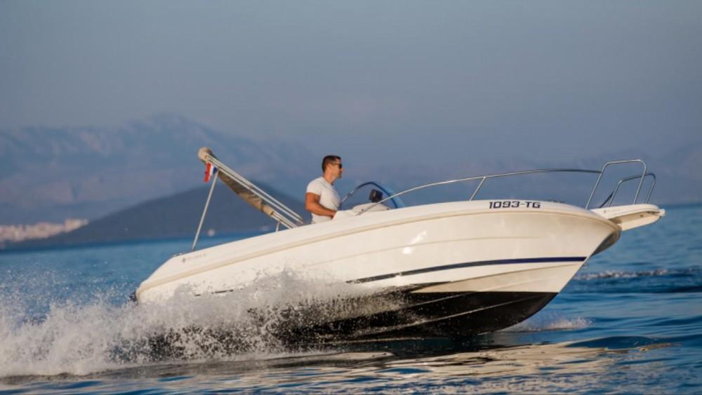 Noleggio barche Jeanneau Cap Camarat 555 Traù su Samboat