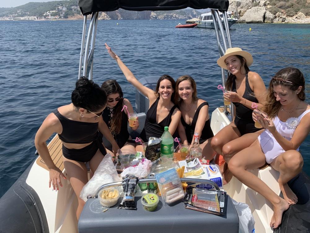 Noleggio barche Capelli Tempest 700 Sun Castelló d'Empúries su Samboat