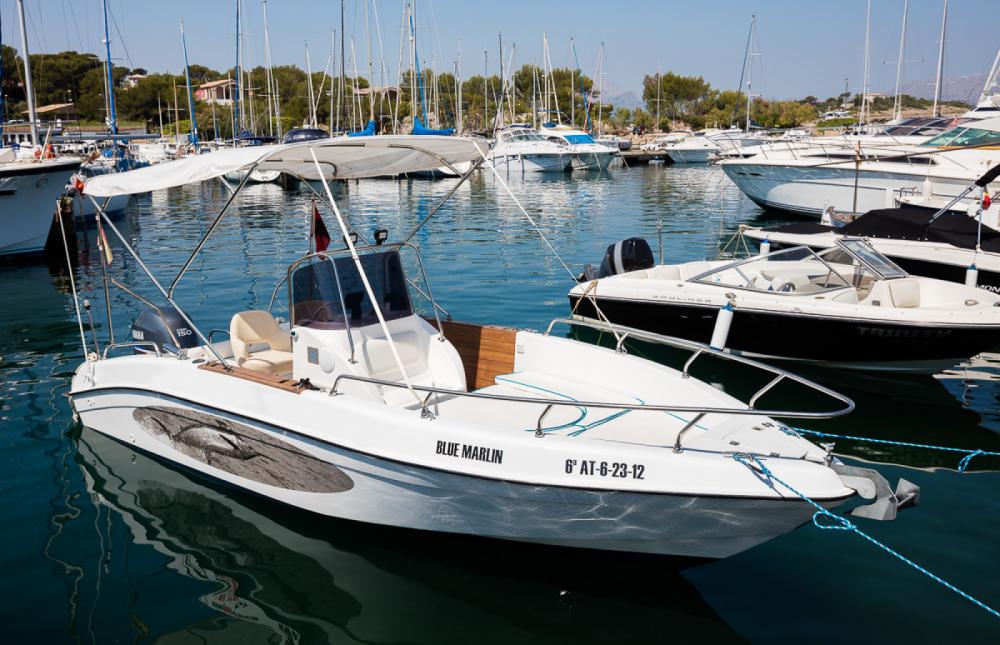 Barca a motore a noleggio Marina de Bonaire al miglior prezzo