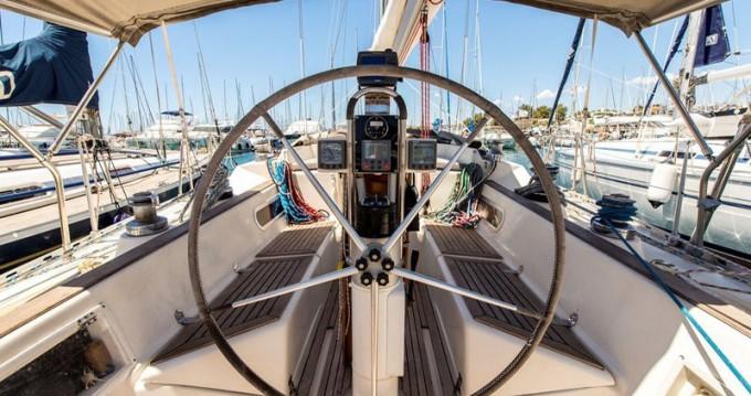 Barca a vela a noleggio Marína al miglior prezzo