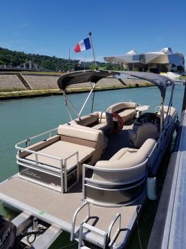 Barca a motore a noleggio a Lyon al miglior prezzo