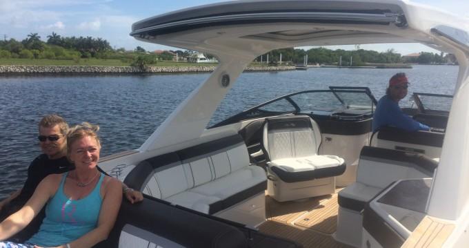 Noleggio Barca a motore Sea Ray con patente nautica