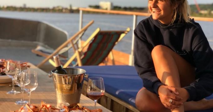 Noleggio yacht a Bordeaux – CAI Patte d'Ours su SamBoat