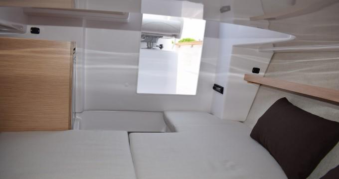 Barca a motore a noleggio a Bibinje al miglior prezzo
