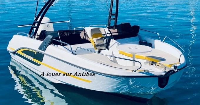 Noleggio Barca a motore con o senza skipper Bénéteau a Antibes