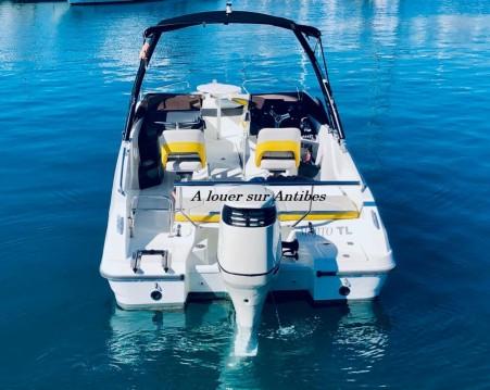 Noleggio barche Antibes economico Flyer 6 SPORTdeck Open 175 ch Tour de Wake