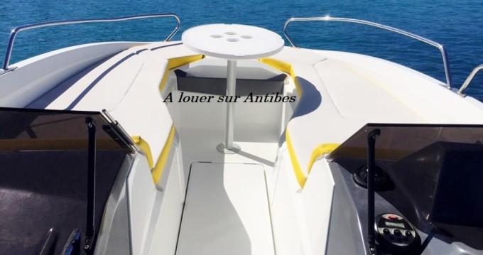 Noleggio Barca a motore a Antibes – Bénéteau Flyer 6 SPORTdeck Open 175 ch Tour de Wake