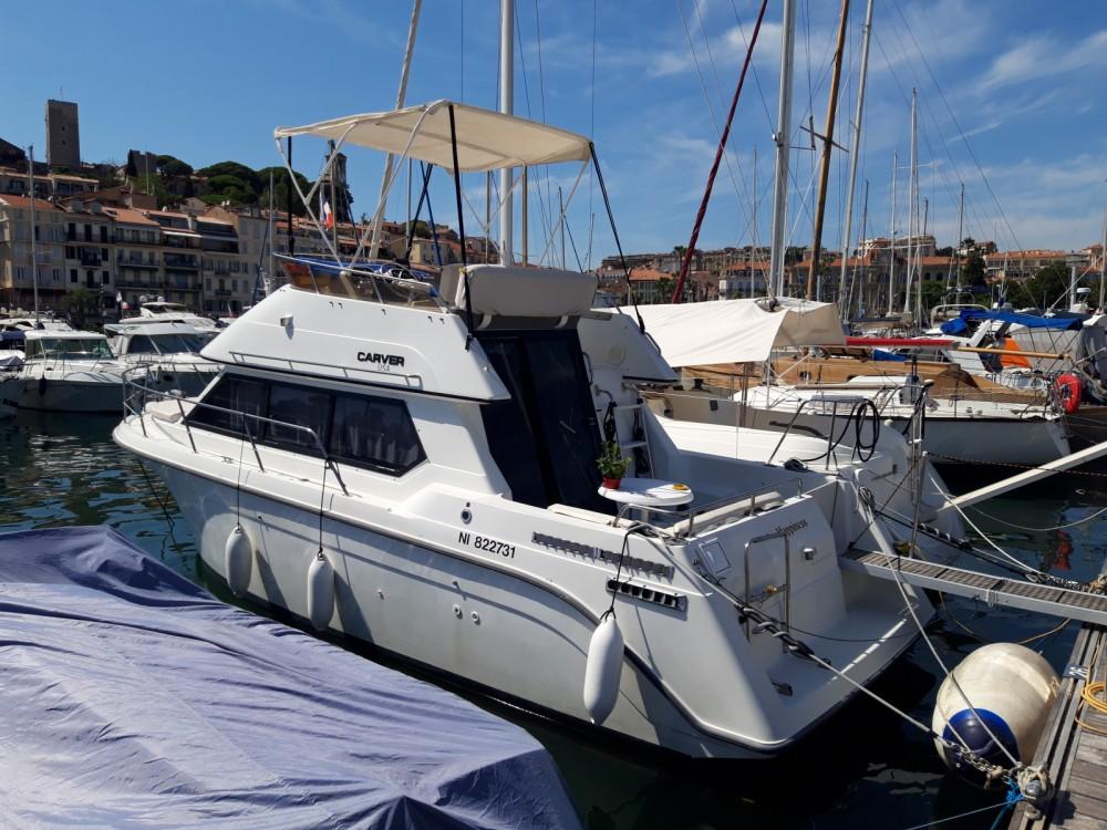 Noleggio barche Cannes economico Carver 26 flybridge