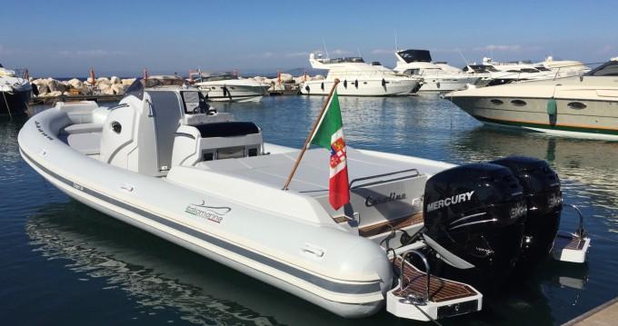 Noleggiare una Italiamarine Capri 34 a San Felice Circeo