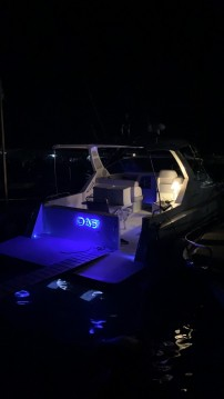 Noleggio Barca a motore con o senza skipper Cranchi a Scario