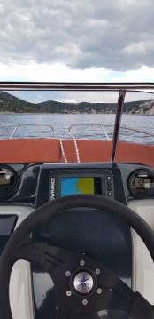 Barca a motore a noleggio a Traù al miglior prezzo