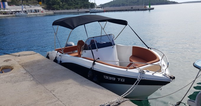 Noleggio barche Okiboats Barracuda 545 Open a Traù su Samboat