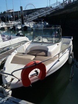 Noleggio Barca a motore Omc con patente nautica