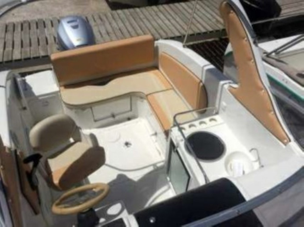 Noleggio barche SAVER Cabin SUNDECK Okrug Gornji su Samboat
