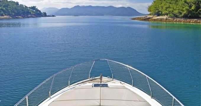 Noleggio Barca a motore a Angra dos Reis – Ferretti 500 Millenium