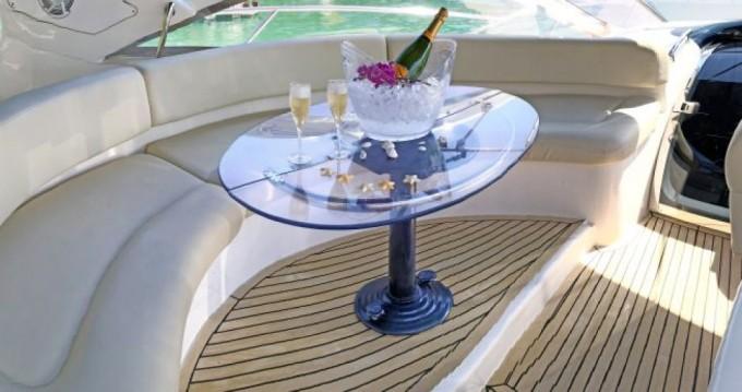 Noleggio barche Azimut Atlantis 500 a Angra dos Reis su Samboat