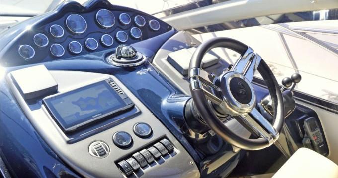 Barca a motore a noleggio a Angra dos Reis al miglior prezzo