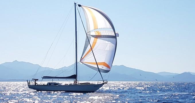 Noleggio Barca a vela con o senza skipper Columbia a Lavagna