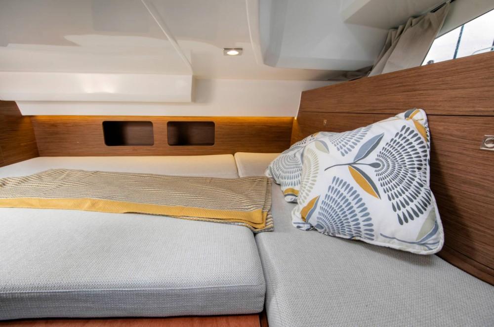 noleggio Barca a motore Bastia - Jeanneau Cap Camarat 9.0 WA