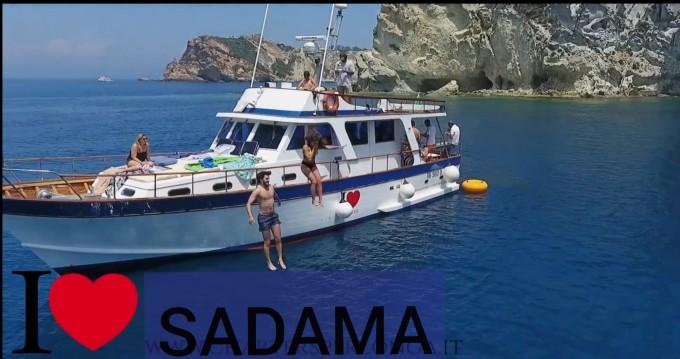 Noleggio barche Comena Sadama  a Napoli su Samboat