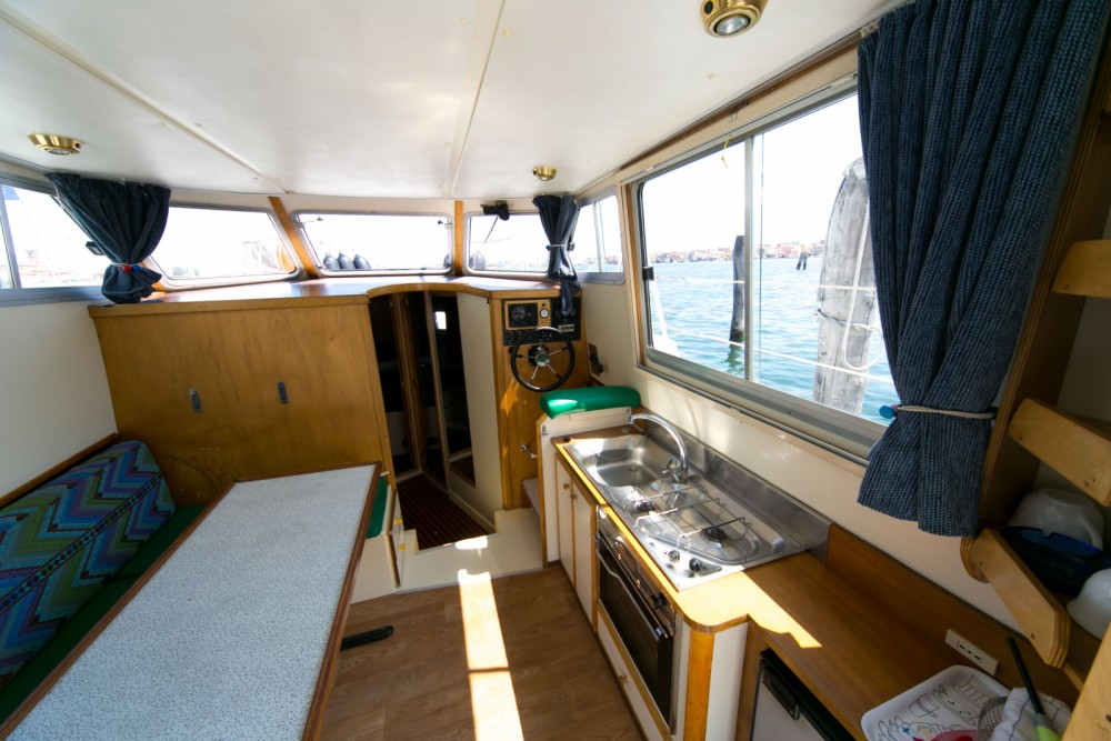 Noleggio Houseboat New-Con-Fly con una patente