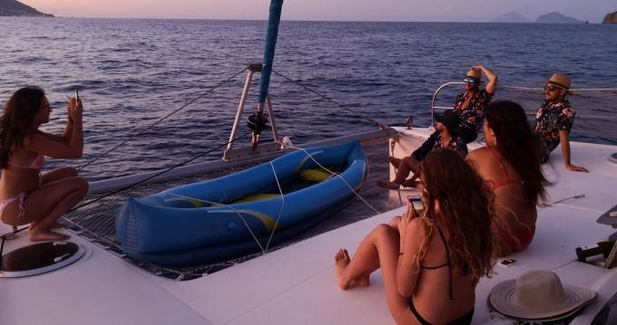 Noleggio Catamarano a Alghero – Fountaine Pajot Lavezzi 40