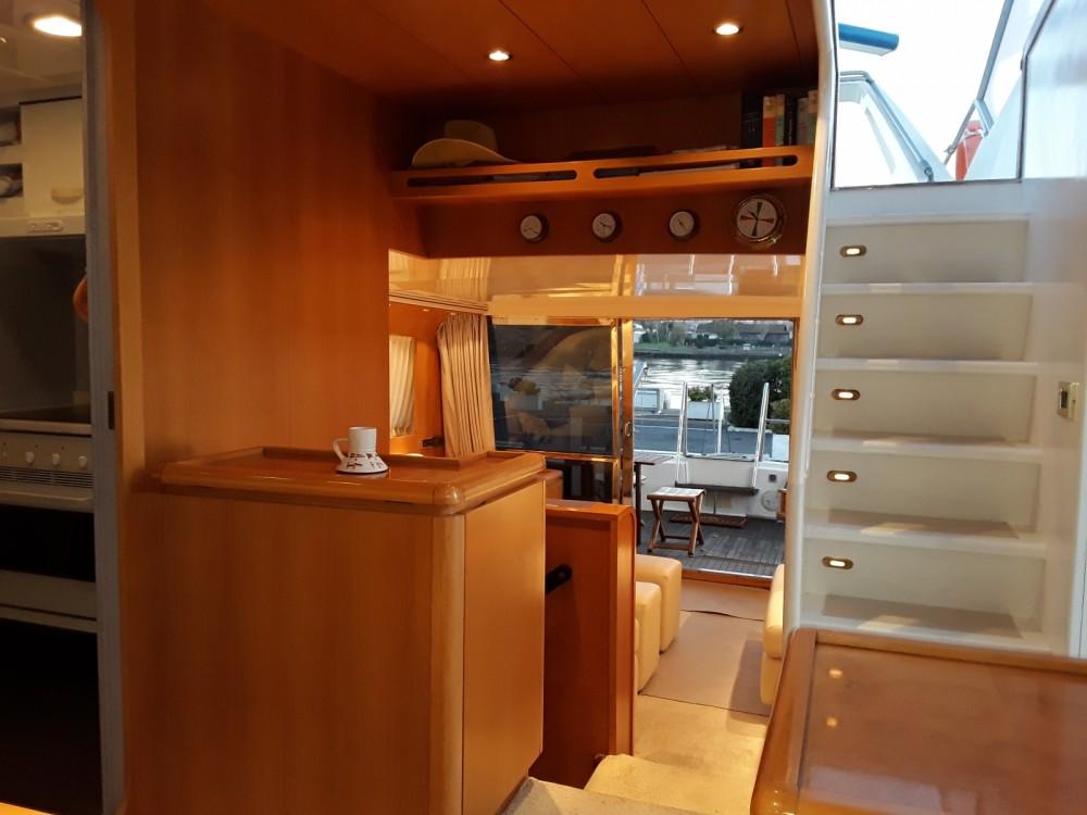 Yacht a noleggio Fiumicino al miglior prezzo
