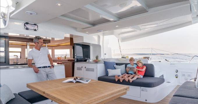 Noleggio Catamarano a Stintino – Lagoon Lagoon 46