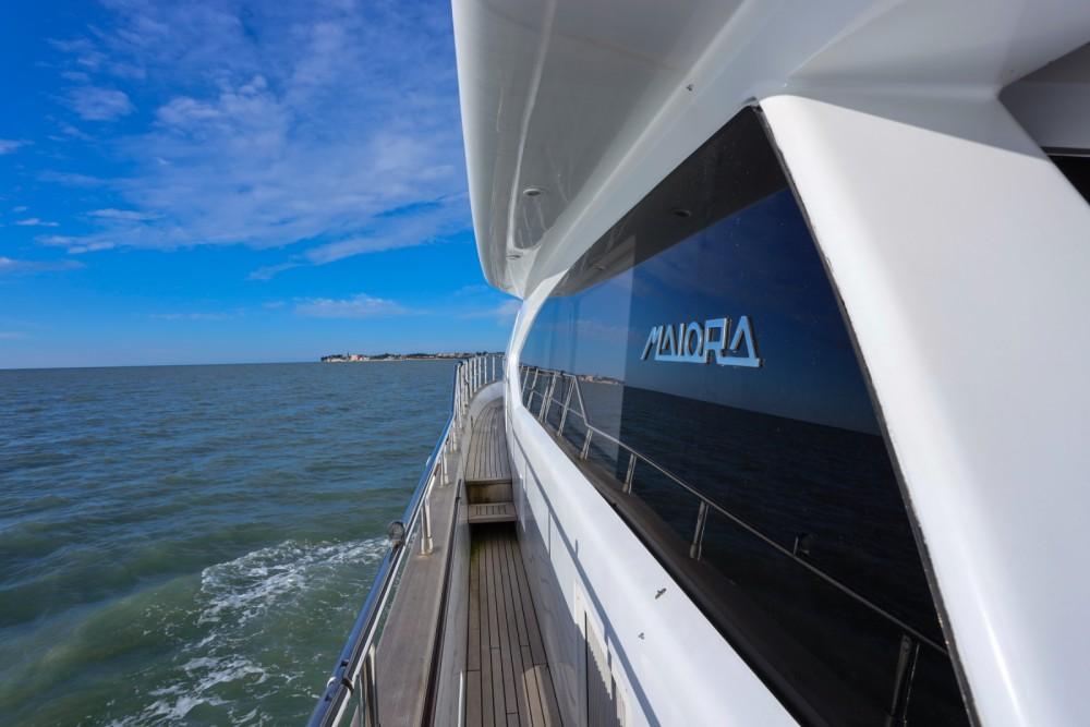 Noleggio barche Cittanova economico Maiora 20