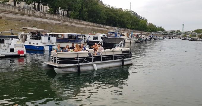 Smokercraft Sunchaser tra privati e professionisti a Paris