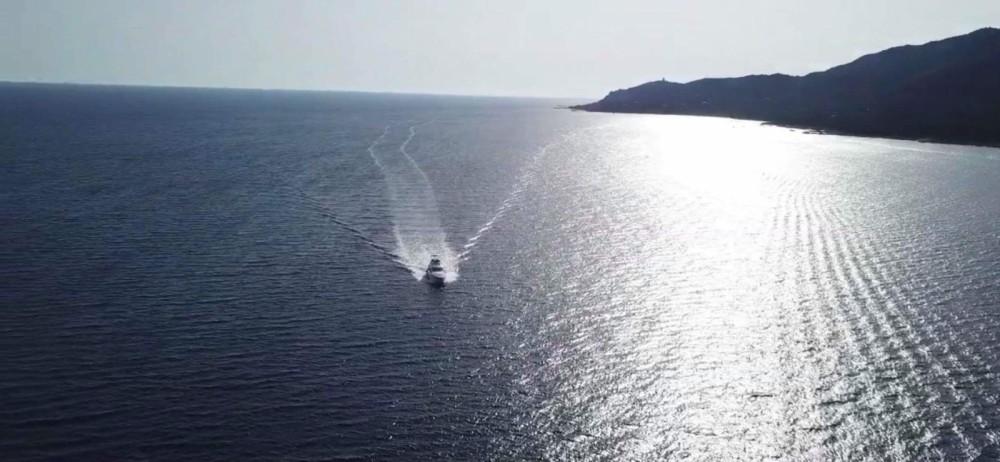 Barca a motore a noleggio Ajaccio al miglior prezzo
