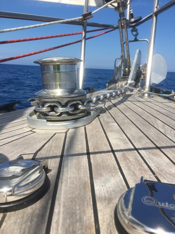 Barca a vela a noleggio L-Isla al miglior prezzo
