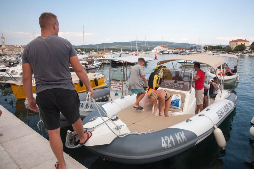 Noleggio barche Marlin Boat Dynamic 790 Veglia su Samboat