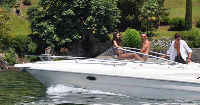 Noleggio Barca a motore a Como – Cranchi Turchese 24