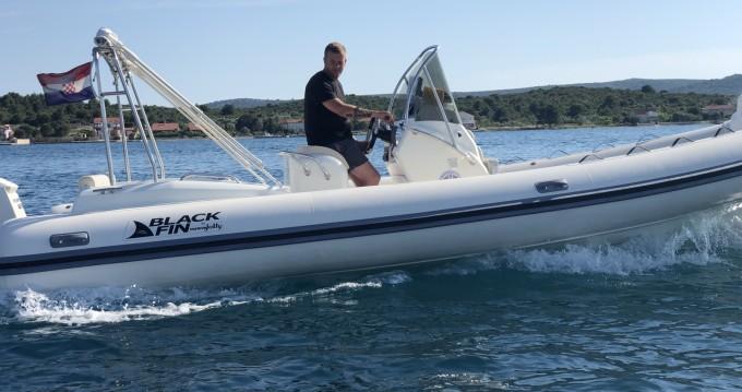 Noleggio barche Biograd na Moru economico Blackfin 25 Elegance