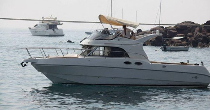 Noleggio Barca a motore a Catania – Rio Yachts 1000 Cabin Fish - Rio 35