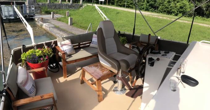 Houseboat a noleggio a Moret-sur-Loing al miglior prezzo