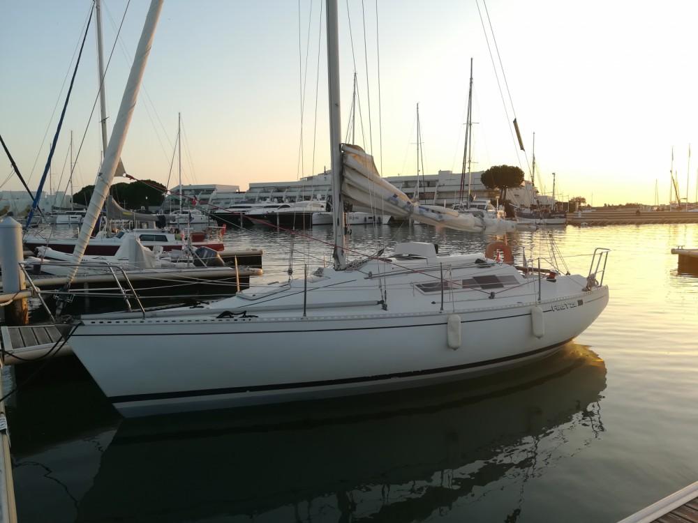 Barca a vela a noleggio Le Grau-du-Roi al miglior prezzo