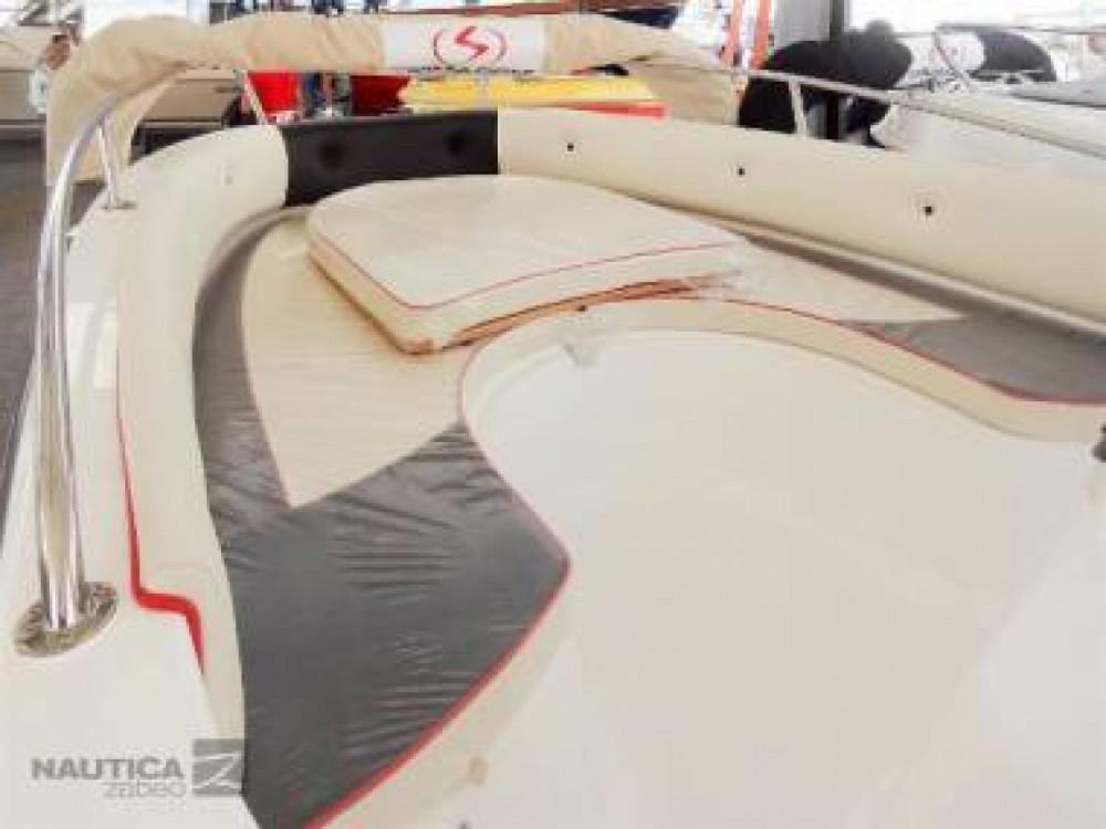 Noleggio Barca a motore con o senza skipper Karnic La Savina