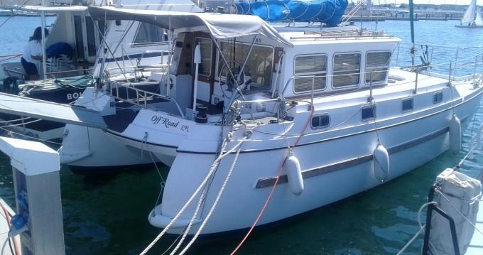 Noleggio Barca a motore catfisher con patente nautica