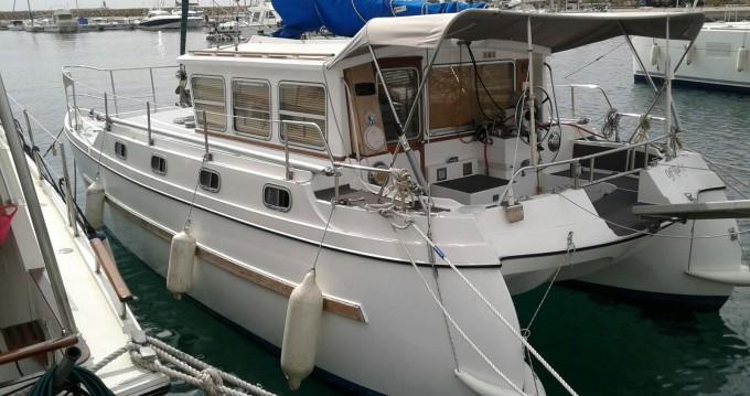 Noleggio Barca a motore con o senza skipper catfisher a Marseille